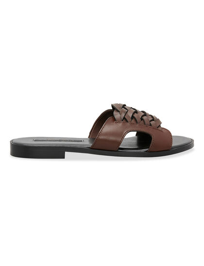 Lama Footwear