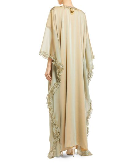 Round Neck, Batwing Sleeves, Embroidery On The Front And Back