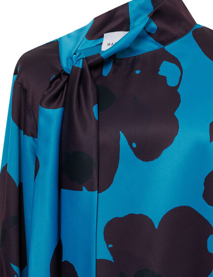 Oversize Jacket Open From 2 Side Printed Blouse Cuff Bottons High Neck With Mid Pants