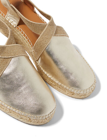 Easy Slip-On With Elastic Straps For A Comfortable Fit The Upper Is Made Of Cow Leather Leather